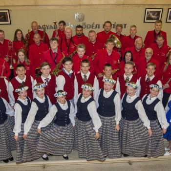 Madlienas pūtēju orķestris un dejotāji Budapeštā